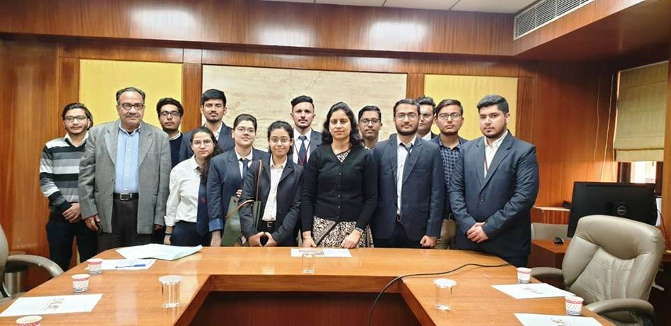 Visit of Symbiosis Law Institute Noida Students to DIAC